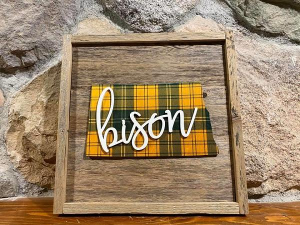 Wall Plaque - ND Plaid Bison