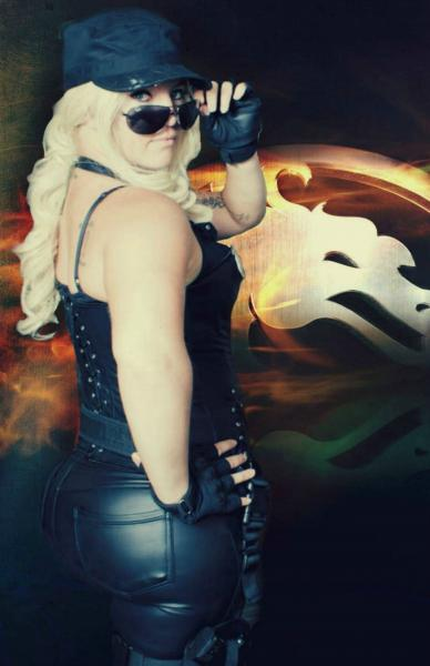 Sonya Blade Mortal Kombat signed 11x17 Cosplay Print picture