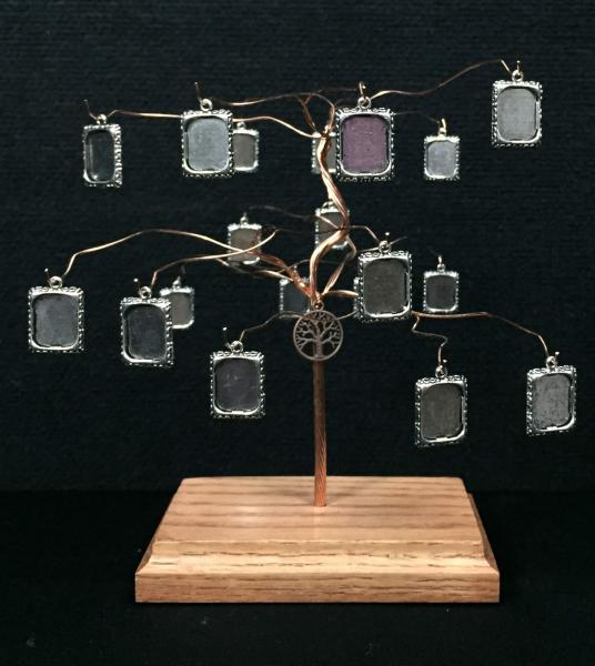 Small Tapestree Family Tree with 19 Photo Frame Charms