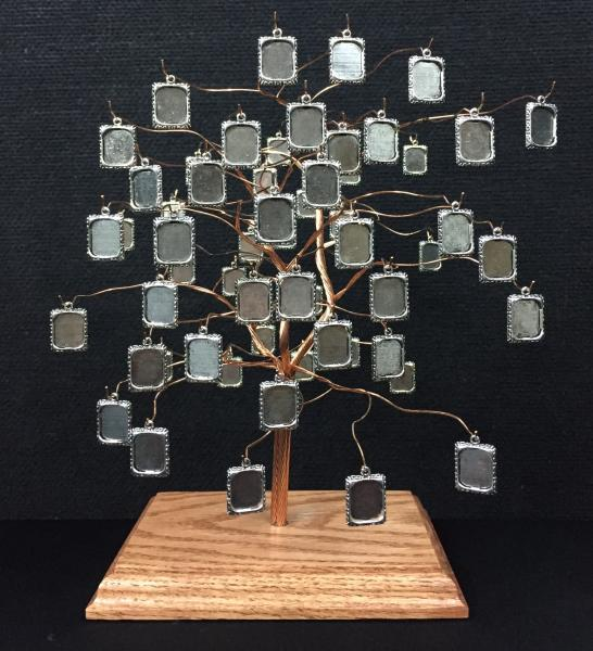 Large Tapestree Family Tree with 57 Photo Frame Charms
