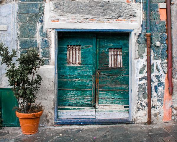 Green Door in Monterosso