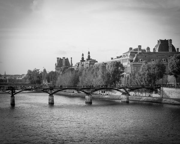 Bridge Over the Seine BW