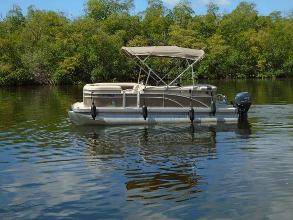 Boat 1- 22' Bennington Pontoon