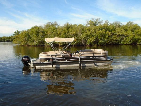 Boat 4- 26' Sun Tracker Pontoon