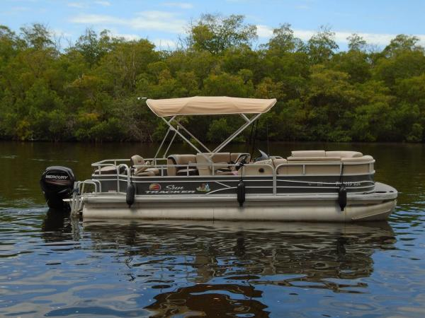 Boat 2- 24' Sun Tracker Pontoon