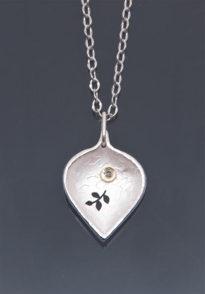 Small Leaf Pendant with or without Diamond