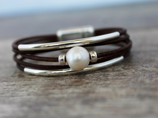 Leather Bracelet/ Sterling Silver Solitaire Pearl Bracelet/Women's Leather Bracelet/Simple  Chic/