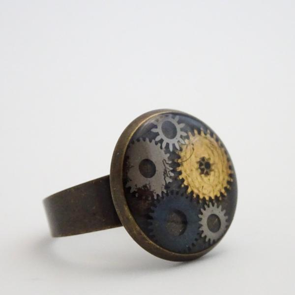 Steampunk Ring | Antique Watch Parts in Resin