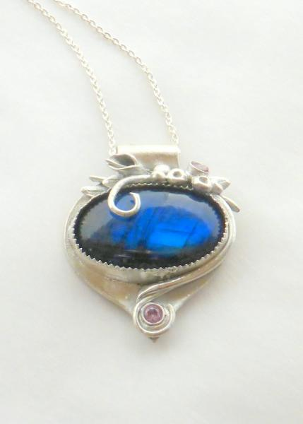 Brilliant Blue Labradorite picture