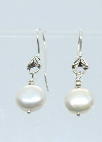 Pearl Earrings picture