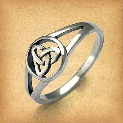 Silver Triquetra Ring - RSS-499
