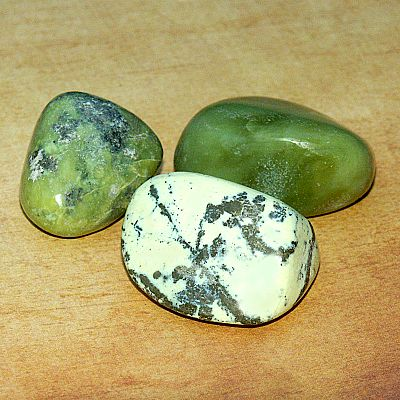 Serpentine Tumbled Gemstones - CRY-SER picture