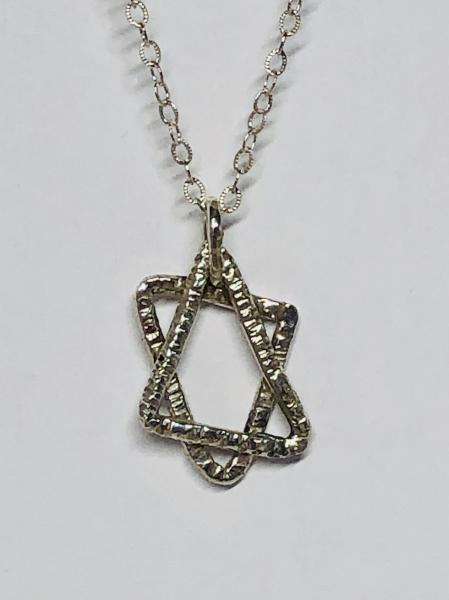 Star of David Textured Wire Necklace