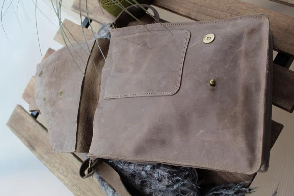 Olive Crossbody leather bag