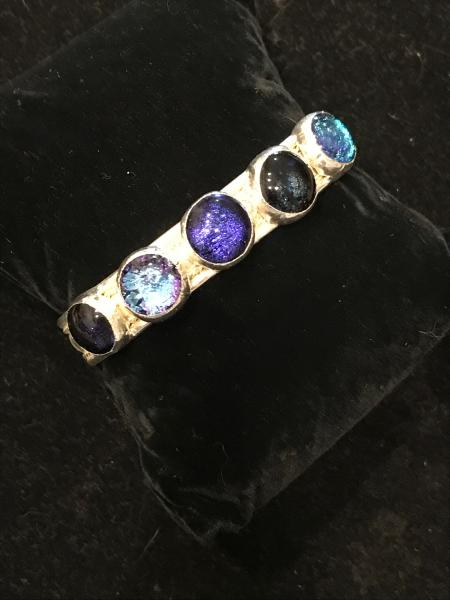 Bracelet - 5 Round Stone Cuff - Variable Blues