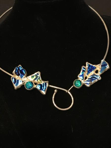 Collar - Wire Design in Variations of Blue